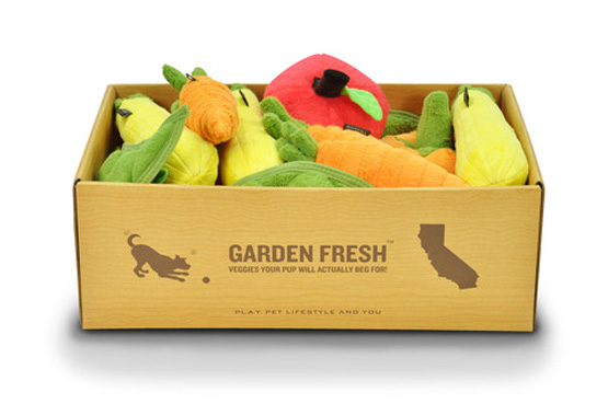 P.L.A.Y_garden_fresh_plush_toy_set_group_in_box_0db71986-fa75-4ebe-be4b-dac6b343416d_large